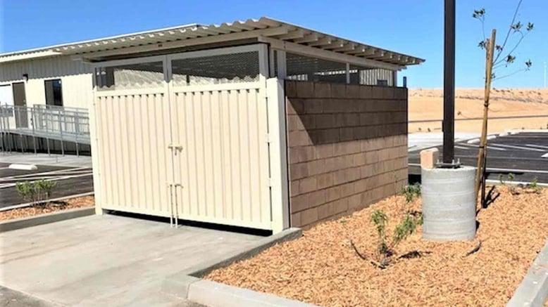 metal-deck-trash-gate
